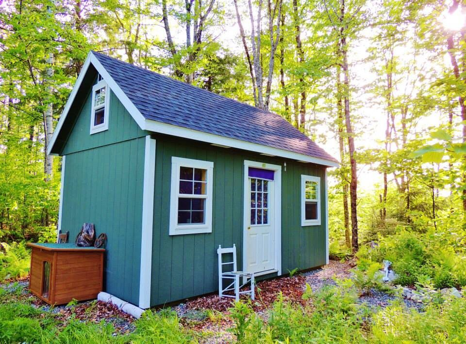 Lovely tiny house in Maine!