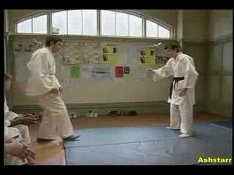 Mr bean judo funny pinterest mr bean and judo mr bean judo solutioingenieria Choice Image