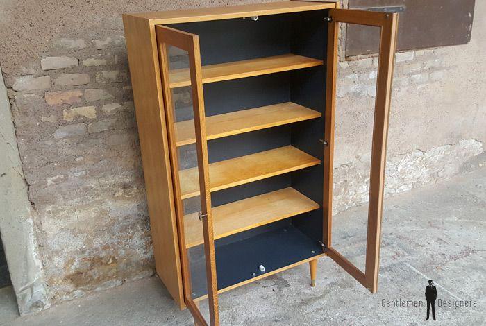 GENTLEMEN DESIGNERS // Armoire vitrine vintage en chêne, étagères