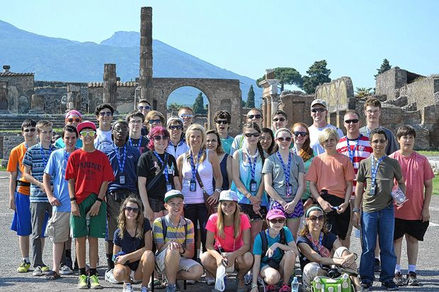 Students Get Firsthand View Of World History Hiking Tours Dublin City Vacation