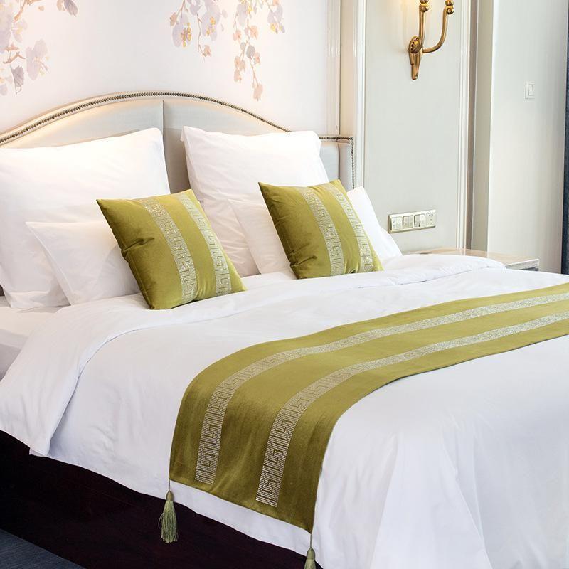 Luxury Velvet Bed Runner Scarf Bed Tail Towel Hotel Home Bedroom Bedding Decor