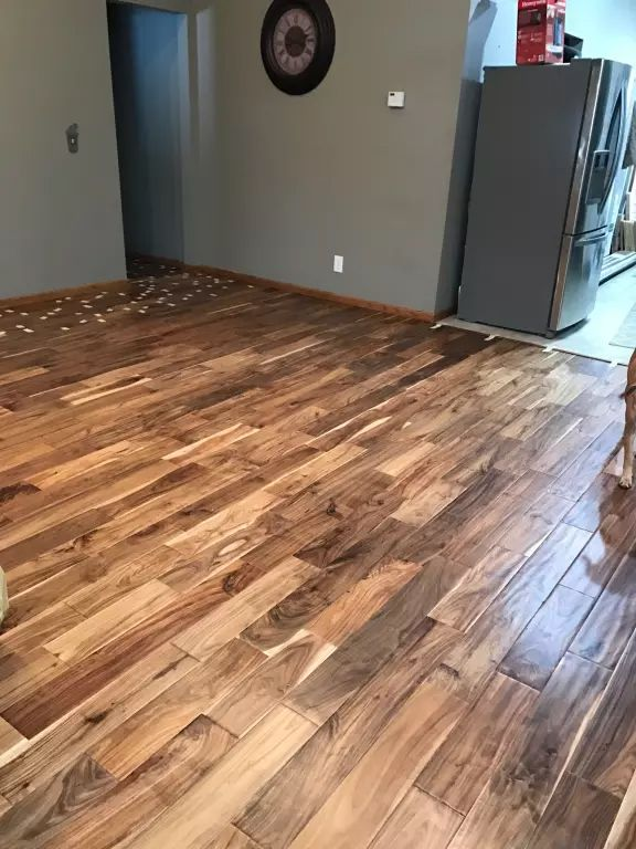 The 5 Planks Of Tobacco Road Acacia Have A Light Honey Finish