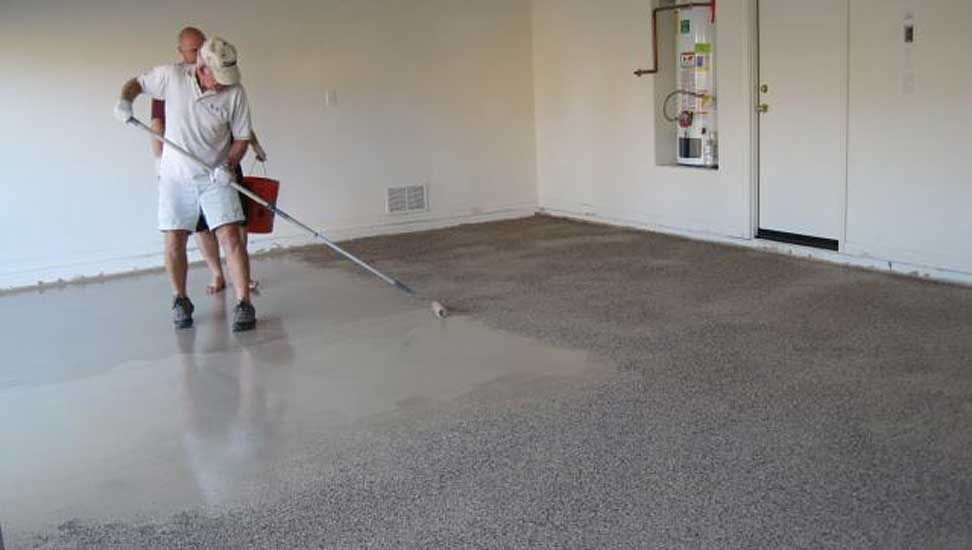 How to apply an epoxy garage floor coating epoxy epoxy garage rescue your garage floors from stains and dirt with a durable epoxy finish that you can solutioingenieria Gallery
