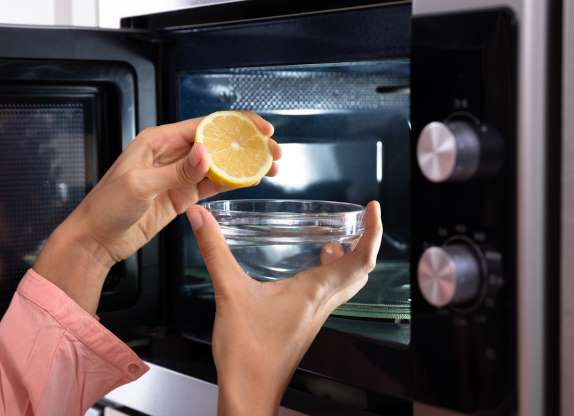 Easy Microwave Clean Up Istockphoto Cleaning Tips