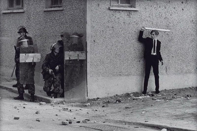 Смута, Северная Ирландия, Лондондерри, 1971. Фотограф Дон МакКаллин