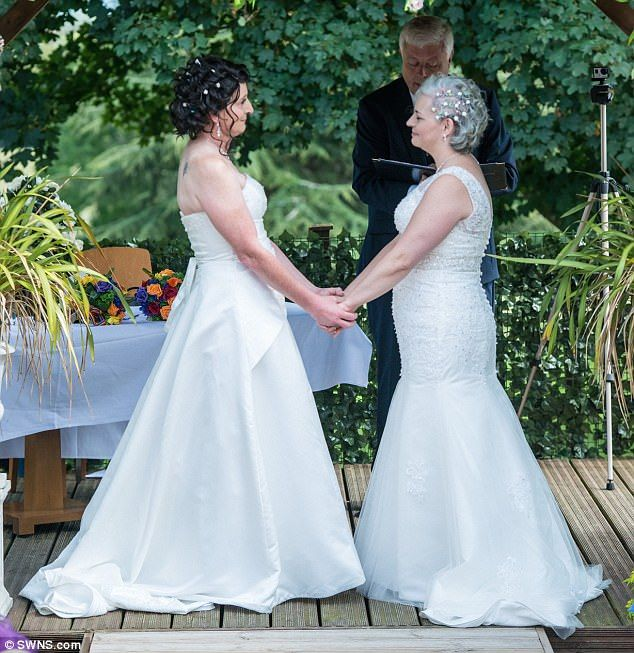 Transgender Bride Renews Her Vows As A Woman  Transitions -2099