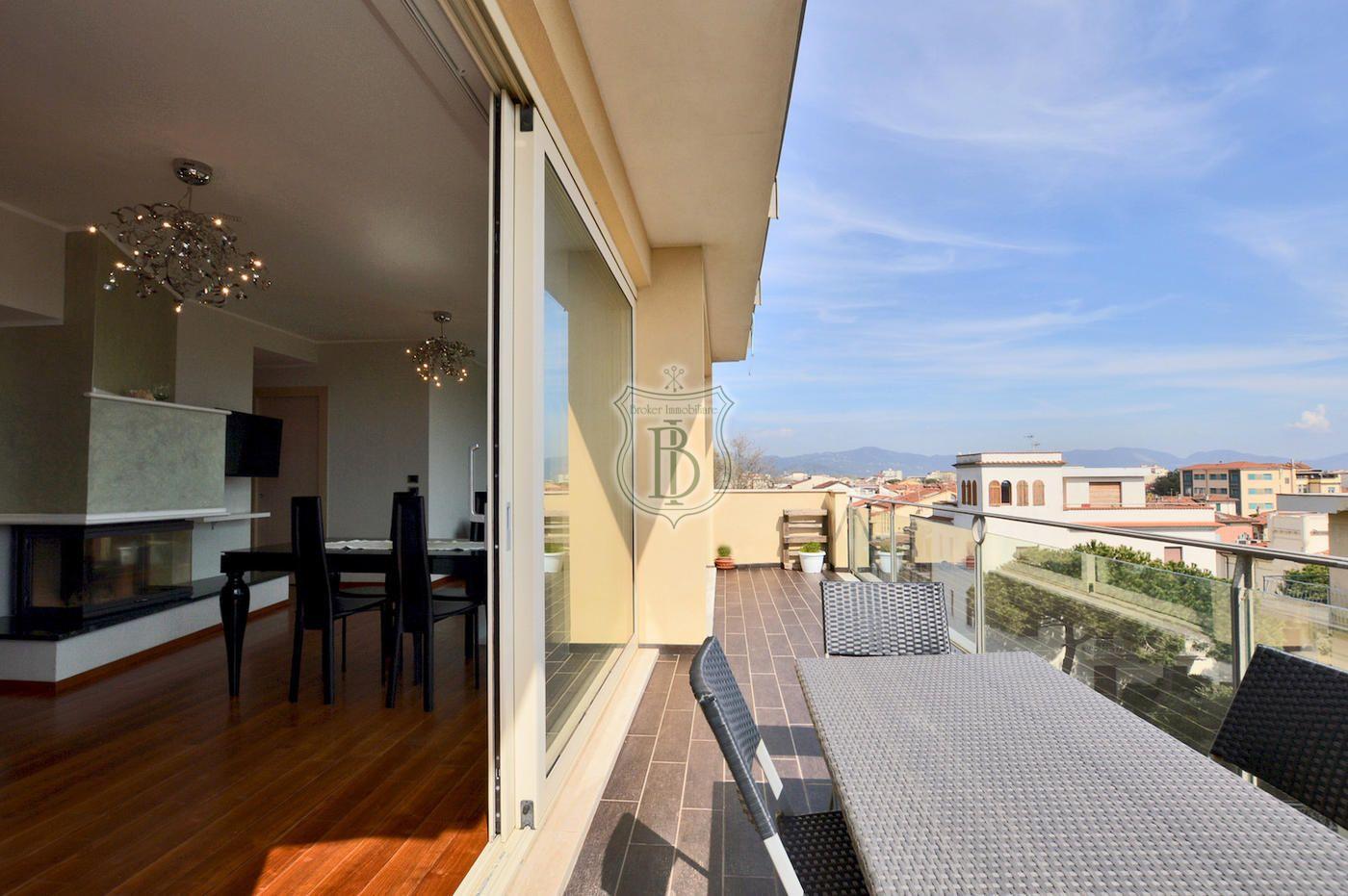 Attico in vendita Viareggio, Toscana Stili di casa