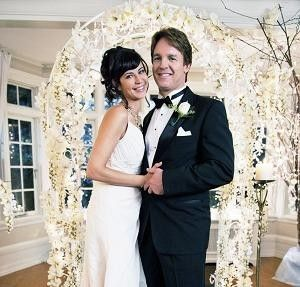 The bewitching bride Cassie Nightingale (Catherine Bell) and