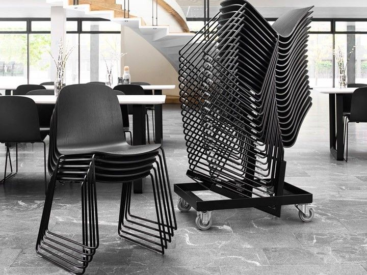 Visu Sled Base Stuhl Stapelstuhl Esszimmer Wartezimmer Kufengestell Muuto Daswohnkonzept Com Wartezimmer Stuhle Stapelstuhle