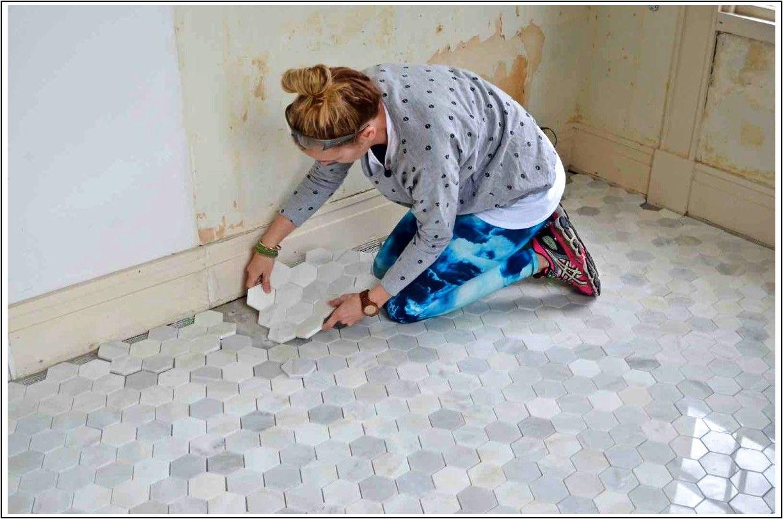 Come Piastrellare Un Pavimento come piastrellare un pavimento del bagno – una semplice