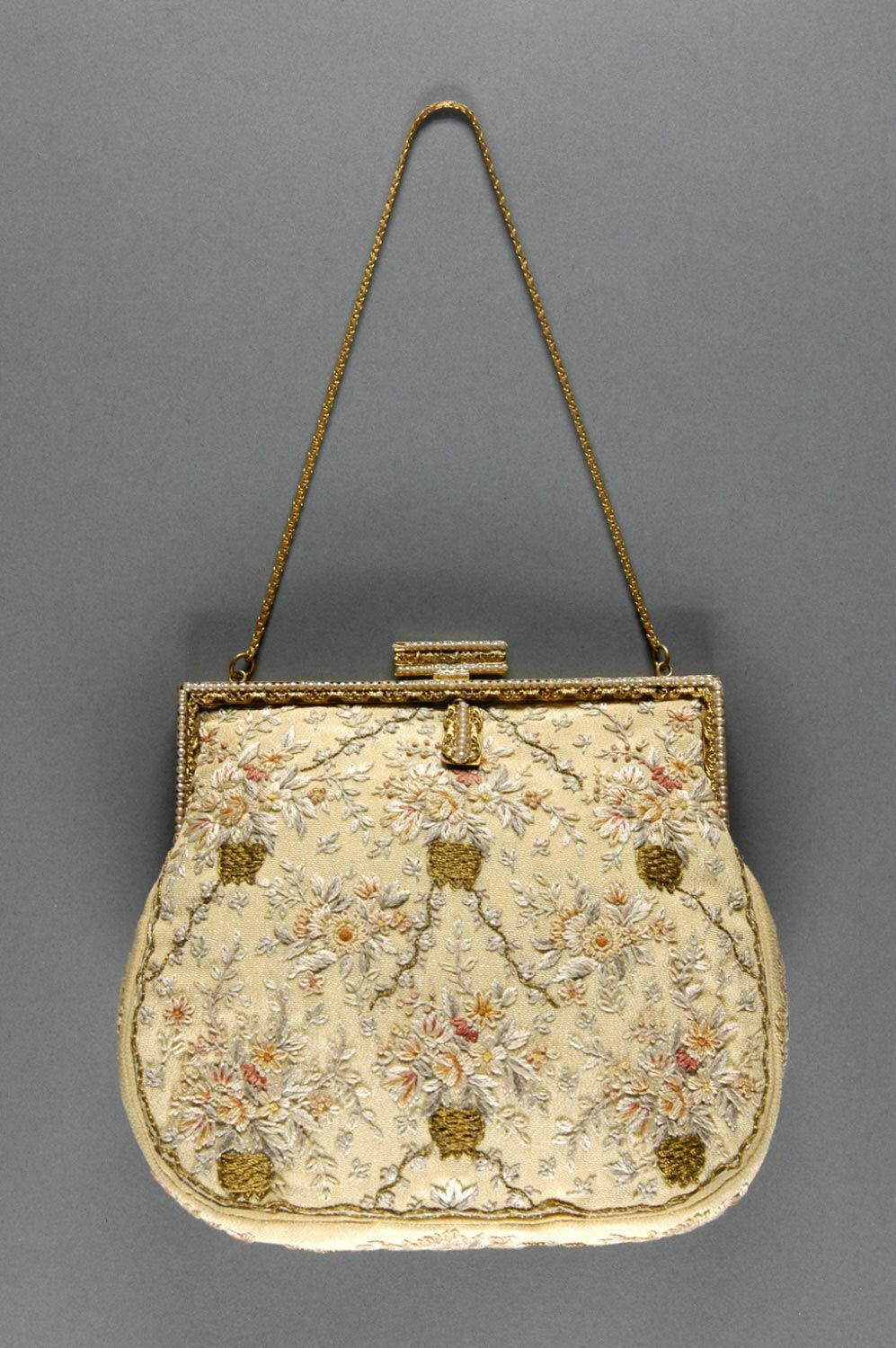 1920, Austria, Vienna - Bag - Silk with embroidery and pearls, gilt ...