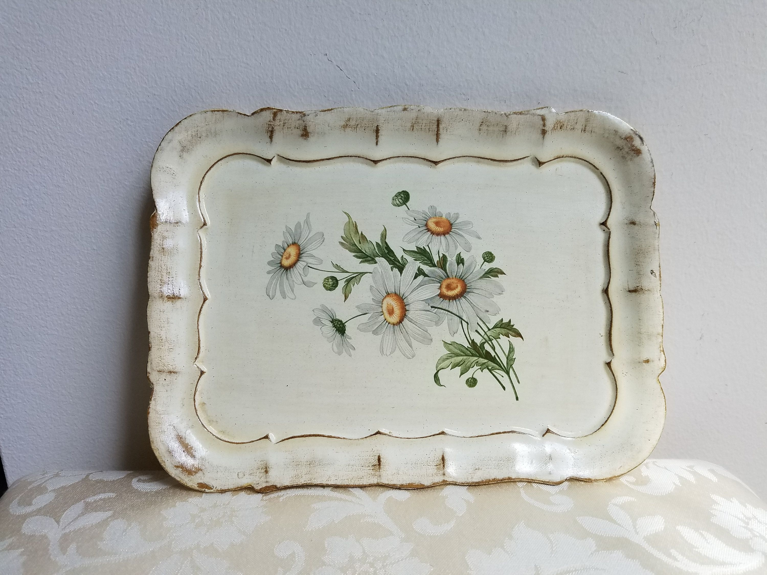 Vintage Florentine Botanical Wood Tray White Daisies Flowers Made In Italy 8 X 10 Cream Off White Scalloped Edge By Vintageno Wood Tray Vintage Shops Handmade