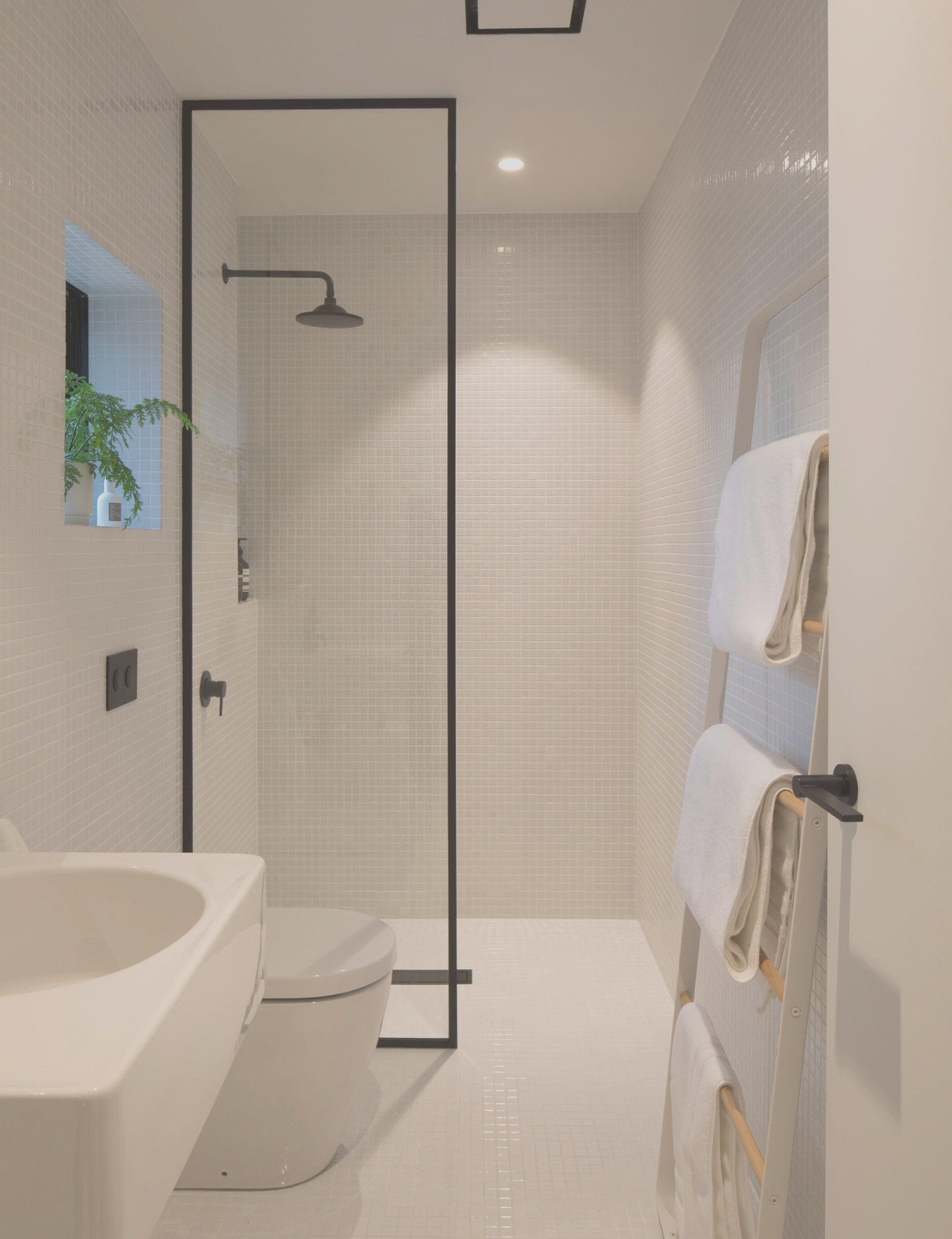 11 Bathroom Ideas for Minimalist Houses in 11  Small bathroom
