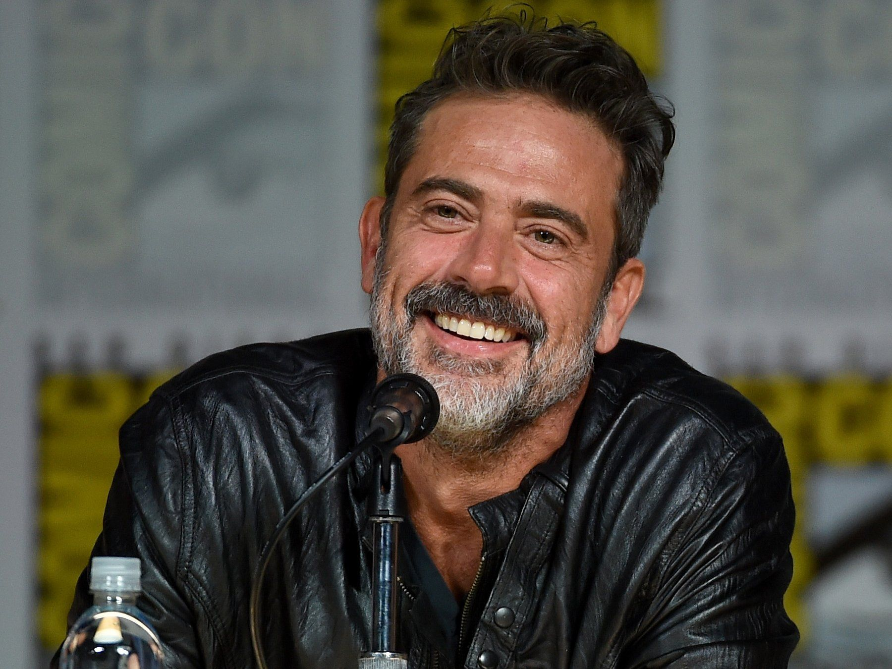 jeffrey dean morgan tumblr gif