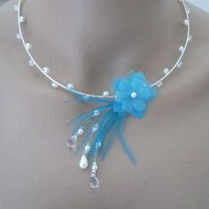 Collier bleu turquoise/blanc/cristal pr robe de mariée/mariage/soirée, perles nacrées fleur plumes original