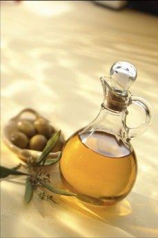 Aqui una breve descripcion de los aceites que se usan en la cocina:de oliva,de coco,canola,de maiz y de germen de trigo.Pinchar la foto.