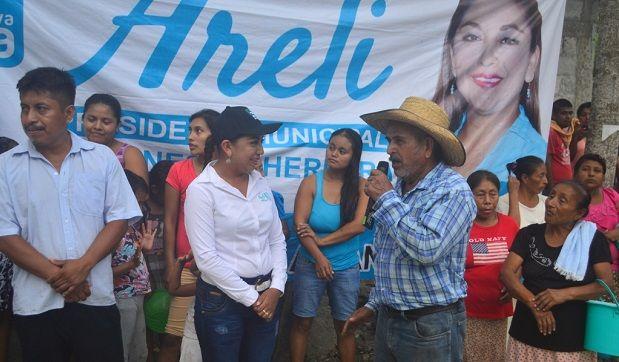 Areli es la candidata del pueblo, Joaquina Velázquez de Nuevo Tejamanil Cazones - http://www.esnoticiaveracruz.com/areli-es-la-candidata-del-pueblo-joaquina-velazquez-de-nuevo-tejamanil-cazones/