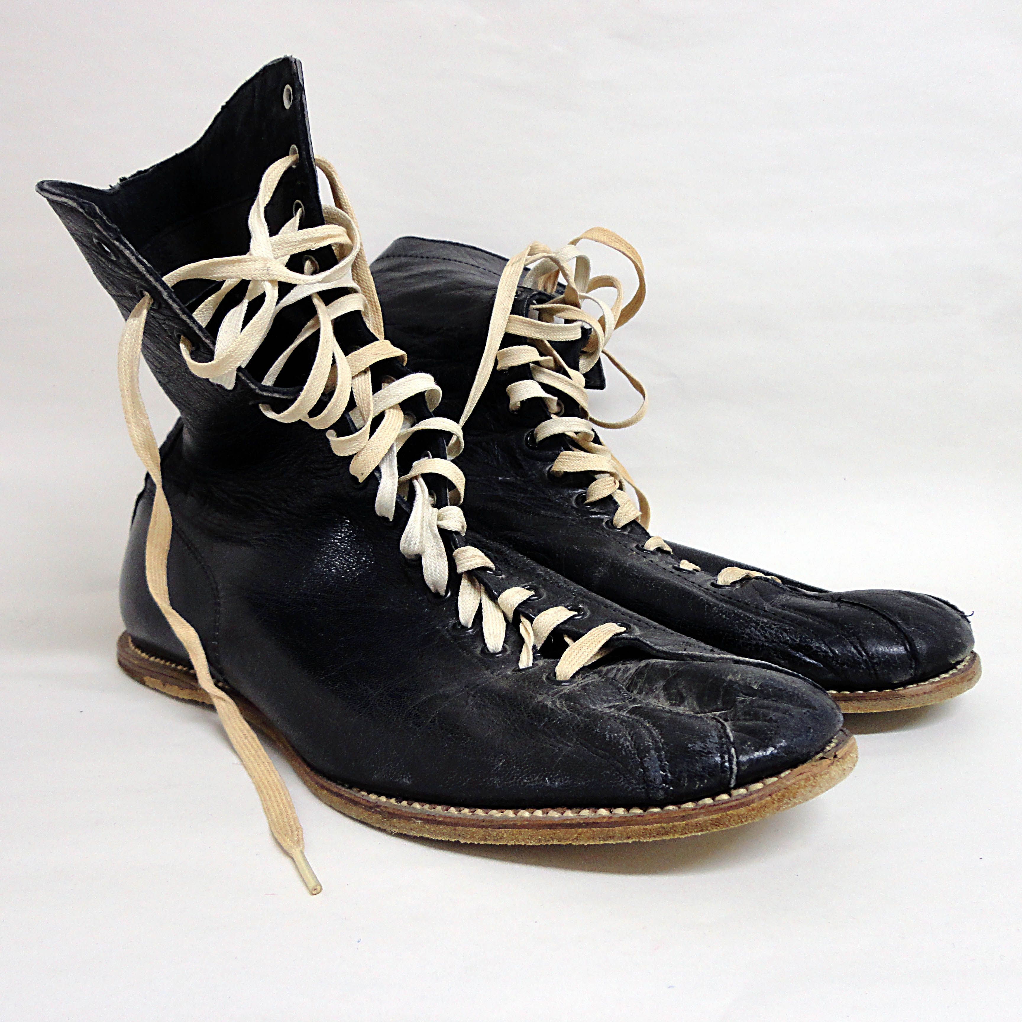 Vintage Boxing Gear Google Search Boxing Boys Boxing Boots