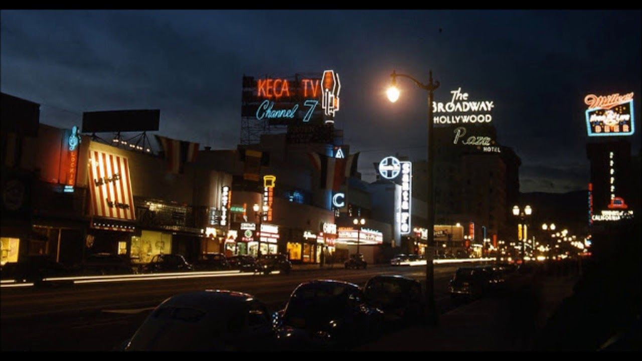 37 Amazing Color Photos Of Downtown Los Angeles In The 1940s Youtube In 2020 Hollywood Street Los Angeles Radio City