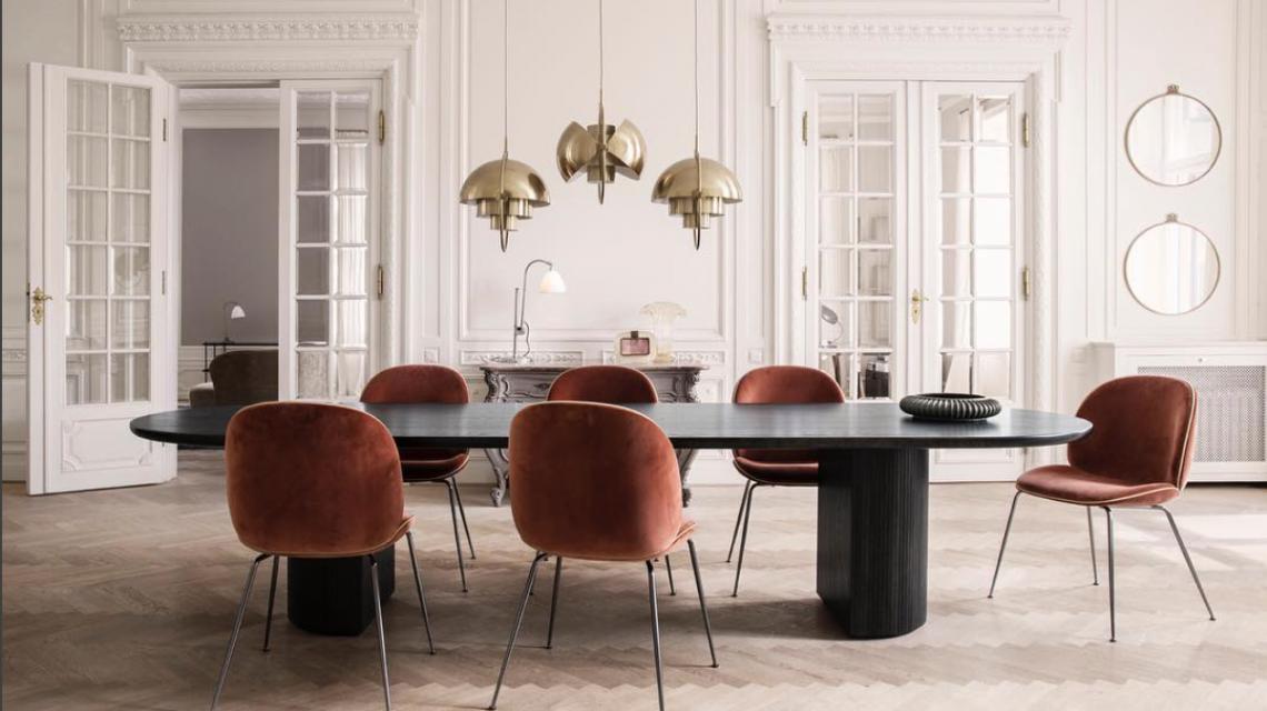 In the spotlight gubi eetkamerstoelen salle manger d co salon en deco - Duo mobilier design gagnant jangir maddadi ...