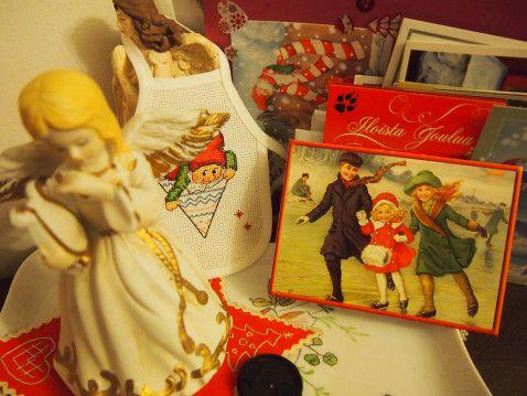 Siskolta enkeli, Leernalta kortti, Anjalta essu Eiköhän ämmi selviä jouhluun