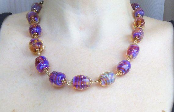 Iridescent murano glass beaded necklace от lampworkandpearls