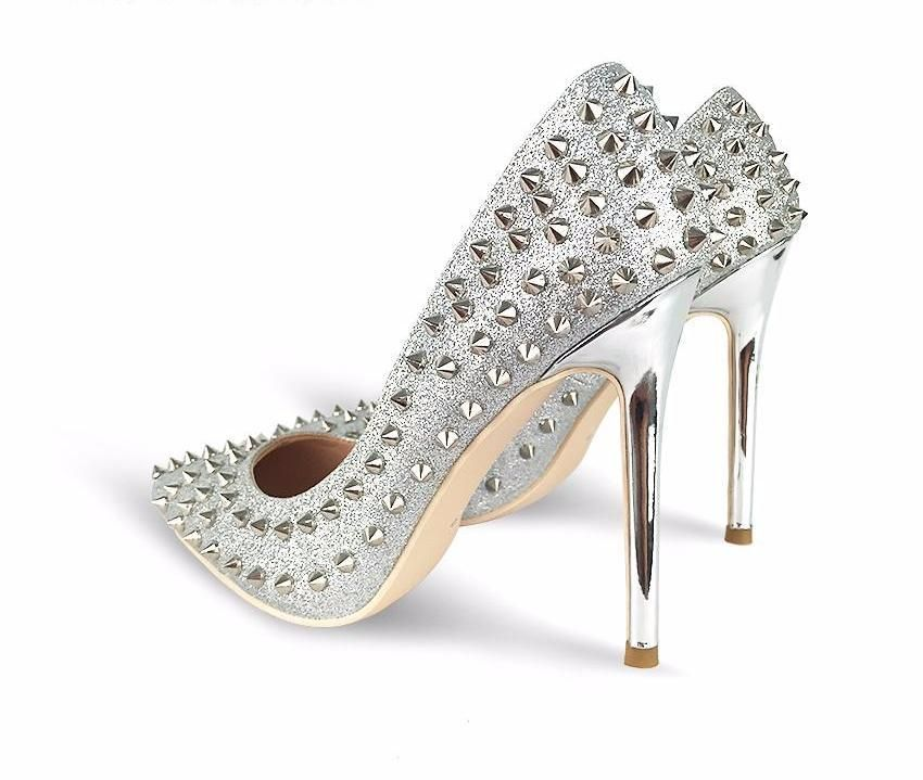 Description Pointed Toe Heel With Rivets On It Please See Size