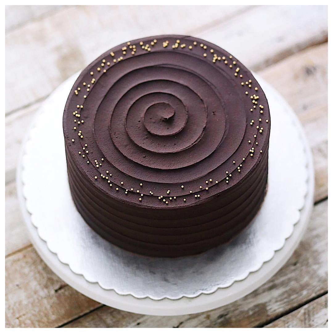 1,009 mentions J'aime, 3 commentaires – ivenoven 사랑으로 베이킹 (@ivenoven) sur Instagram : « Ulimate guilty pleasure. Baileys cake with choco buttercream. Thank you for being superfans, order… »