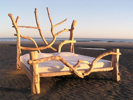 Vuing Artistic Sculptures And Furniture Made Out Of Driftwood