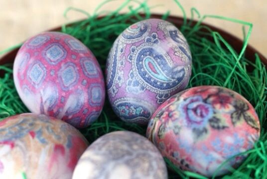 SnapGuide's How To Tie-Dye Easter Eggs