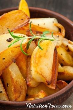 Skinny Crispy Fries   Easy, Healthy Recipe   Only 94 Calories   For MORE RECIPES, fitness & nutrition tips please SIGN UP for our FREE NEWSLETTER www.NutritionTwins.com