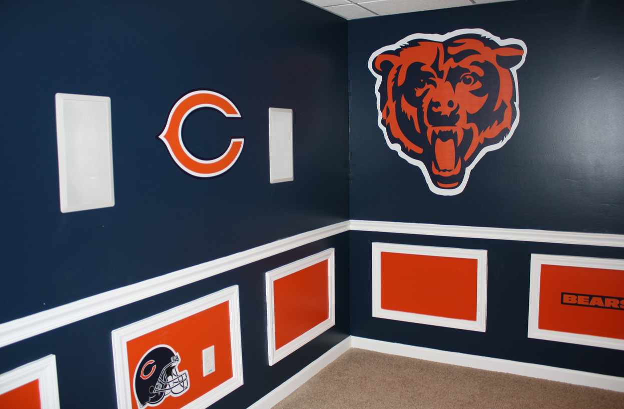 I Want A Chicago Bears WoMAN Cave Like This! Bear Down!. I Don