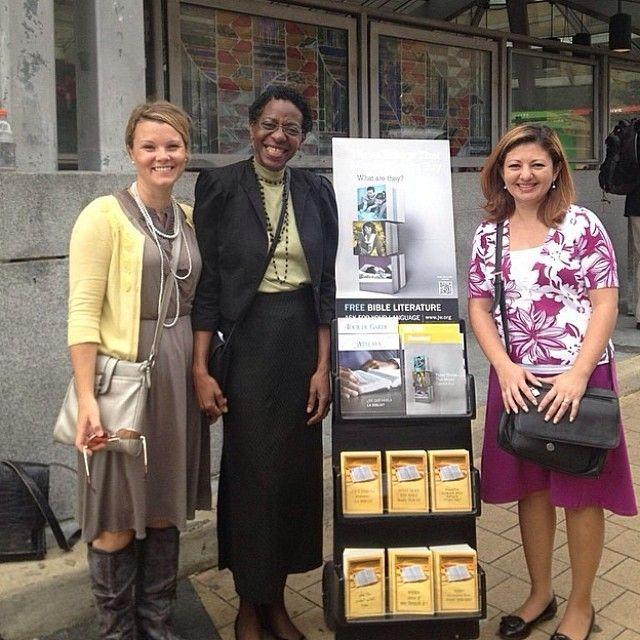 JW Public Witnessing | Public witnessing in Washington, DC  Read