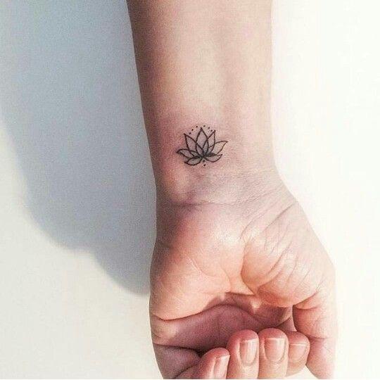 Lotus Flower Tattoo Mas Tatuagem Tatuagem Simples Tatuagem Pequena