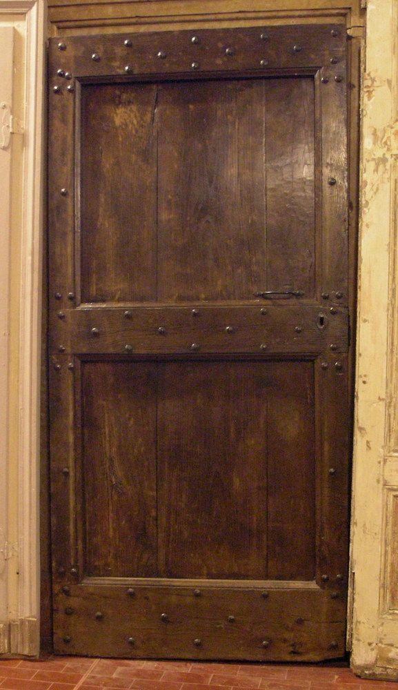 Ptir309 porta in castagno con fasce chiodate mis cm 95 x for Porte decorate antiche