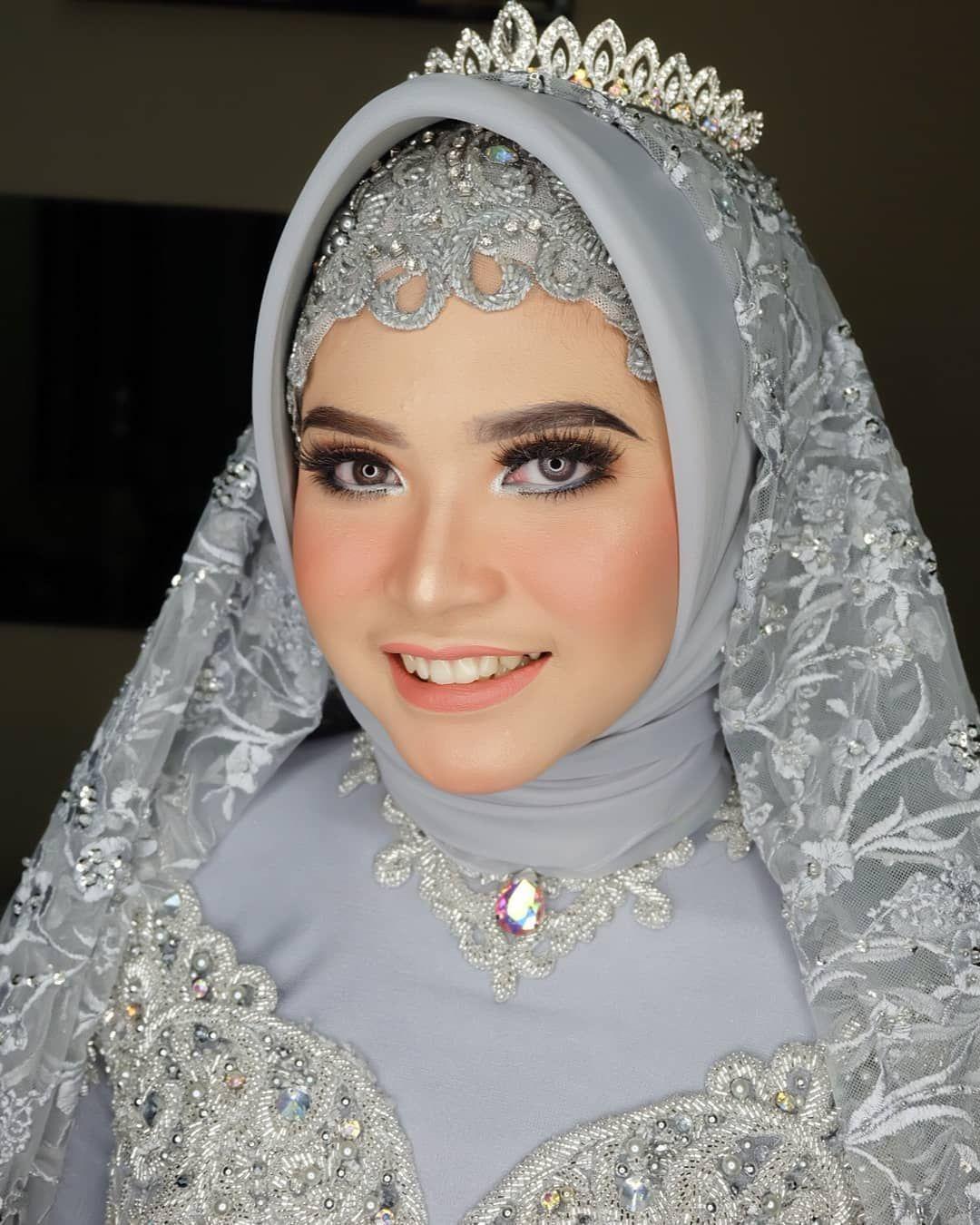 Photo of The Bride Ka @yudithiadita 💕  Makeup, hijab @thaliethamakeup  Kebaya, aksesor…