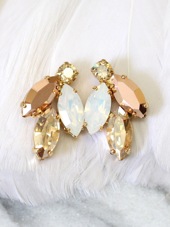 Pendientes de racimo Champagne oro rosa, pendientes de cristal Swarovski, pendientes de novia en oro rosa, pendientes de las damas de honor, ópalo blanco Champagne espárragos de iloniti en Etsy https://www.etsy.com/es/listing/288959995/pendientes-de-racimo-champagne-oro-rosa