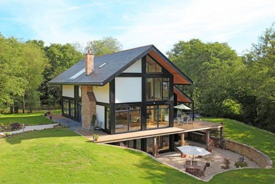 modern homes in england On the market Fivebedroom