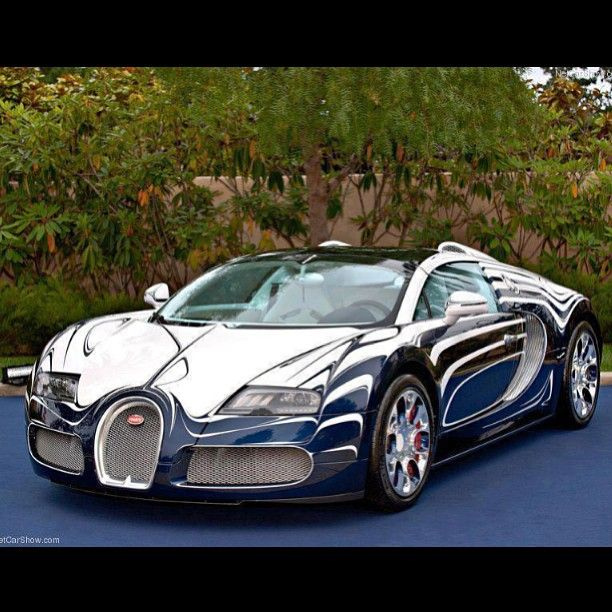 Something different! Cool Bugatti colour scheme!