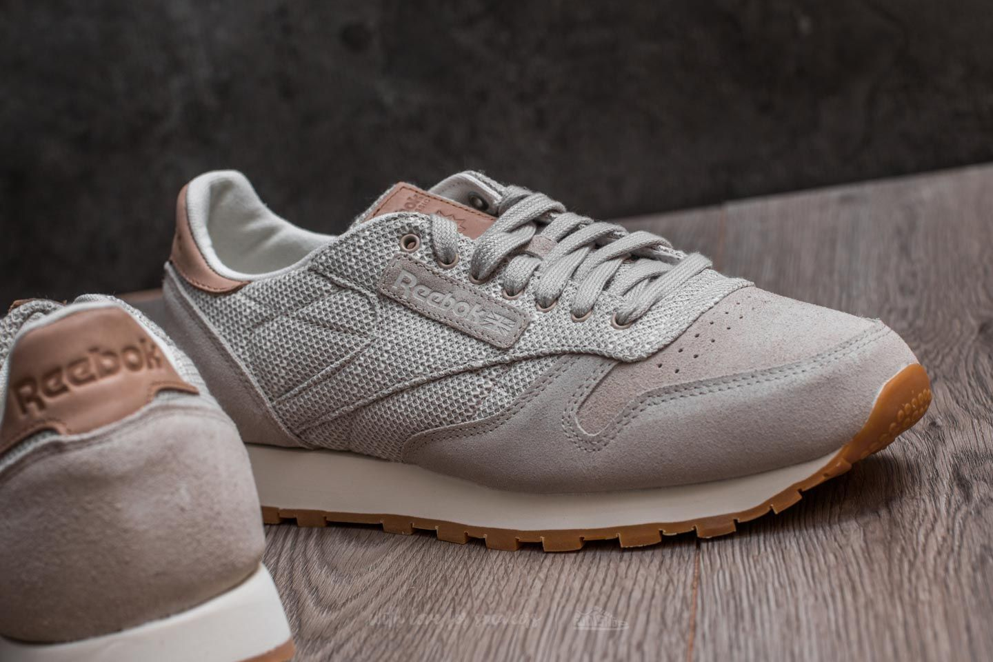 newest collection 2fe99 cc145 Reebok Classic Leather EBK Sandstone Chalk-Gum at a great price 92 buy at  Footshop