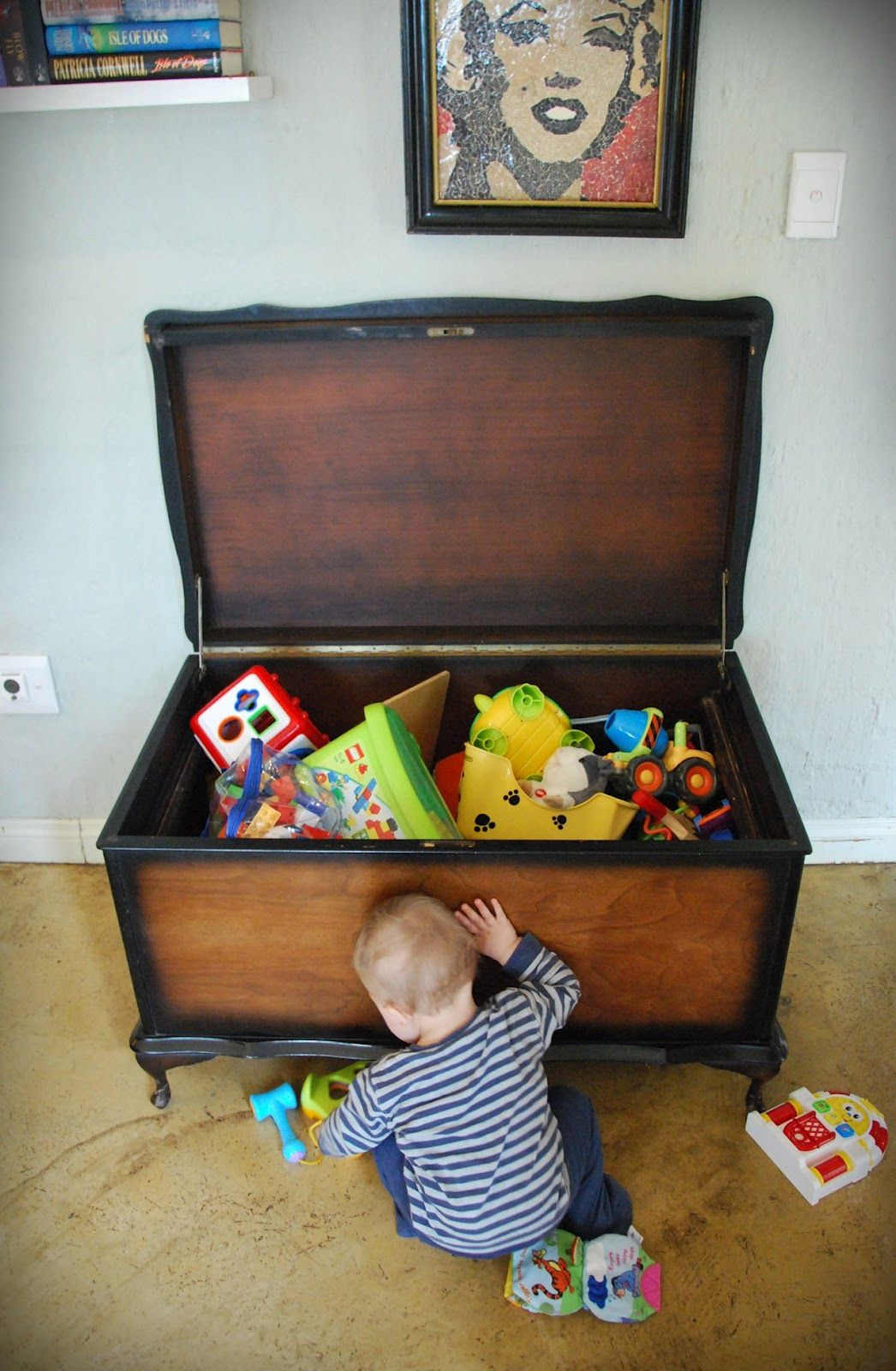 Toybox that would work in my house!! Grandma needs this