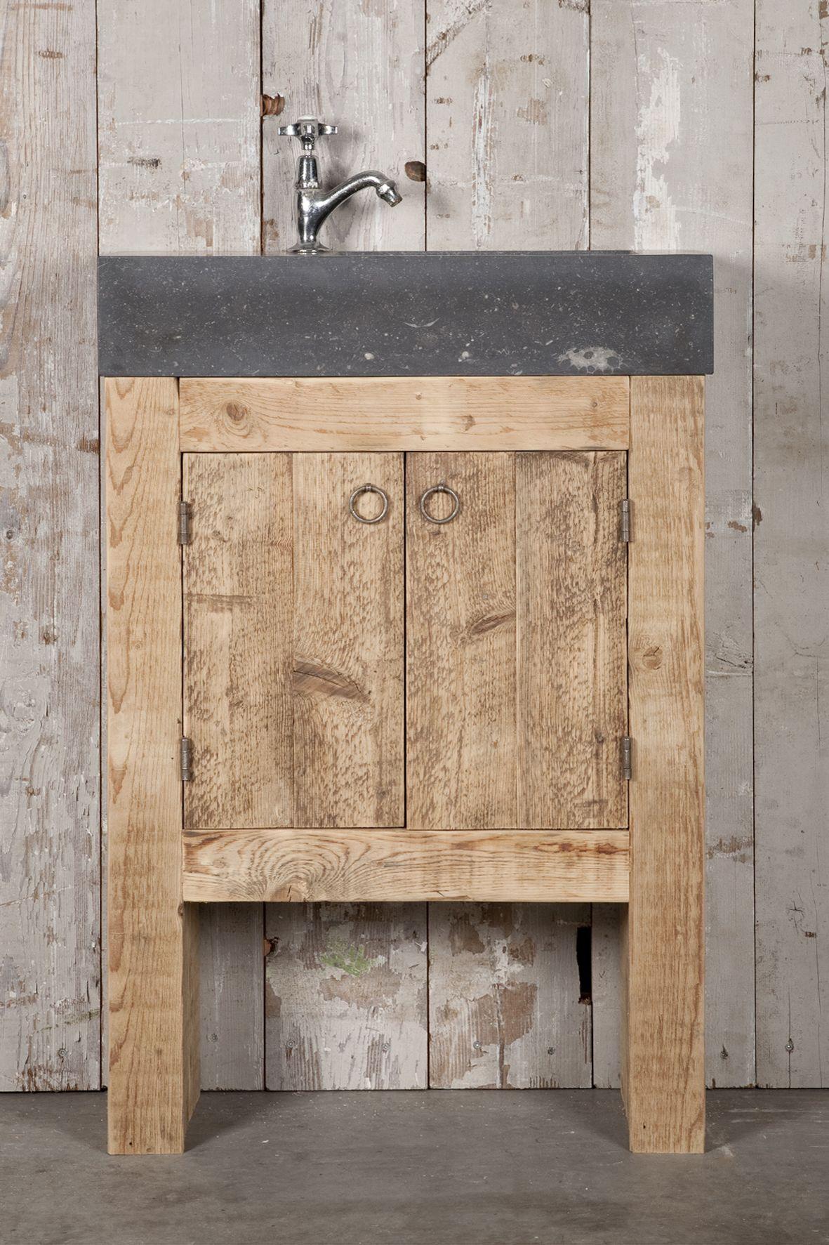 badkamermeubels op maat gemaakt van oud hout en natuursteen oude