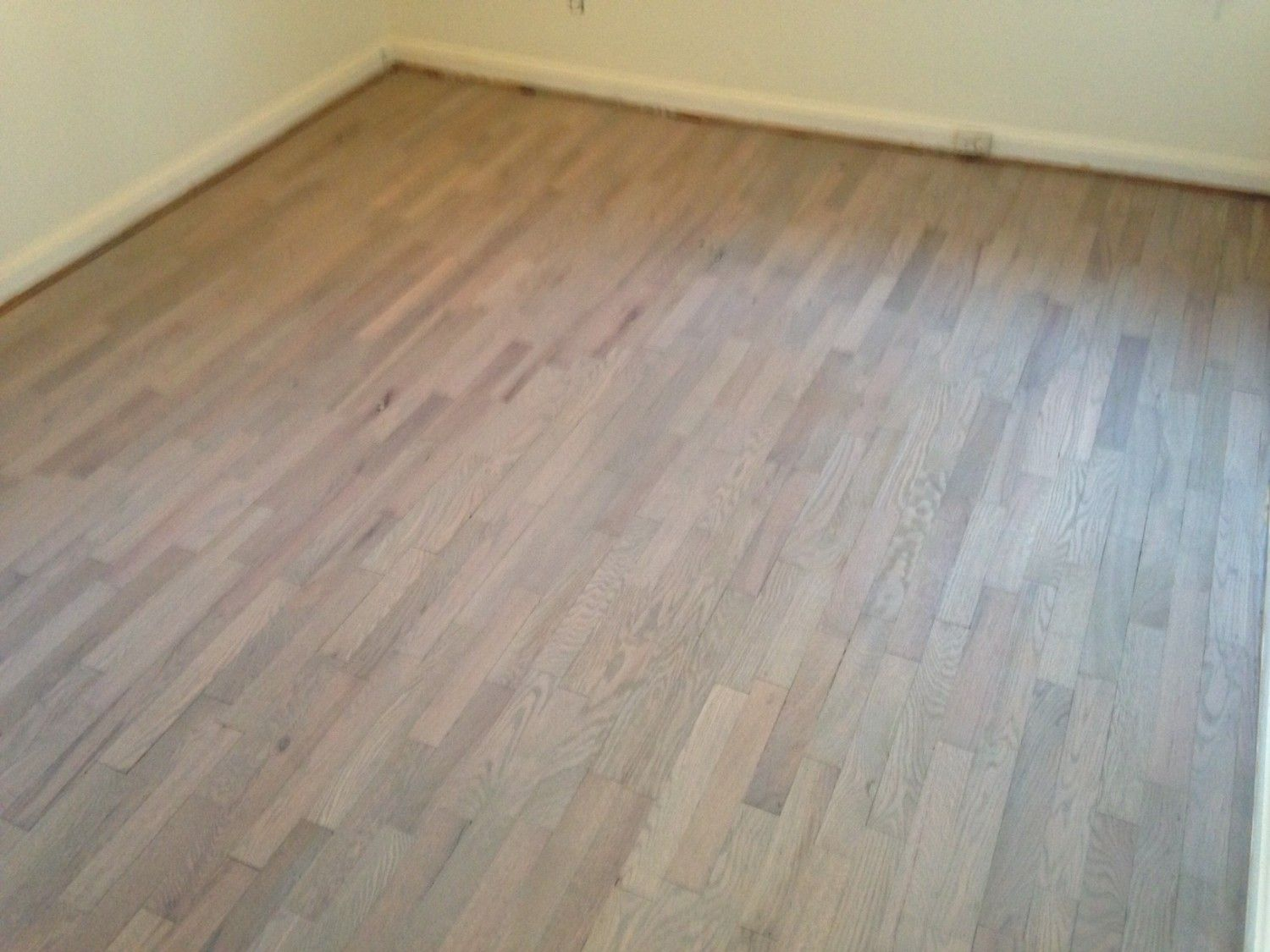Stained And Refinished Red Oak Floor For The Beach House Look Used 2 Coats Varathane Antique White Stain 1 Coat Clic Gray From Minwax Poly Finish