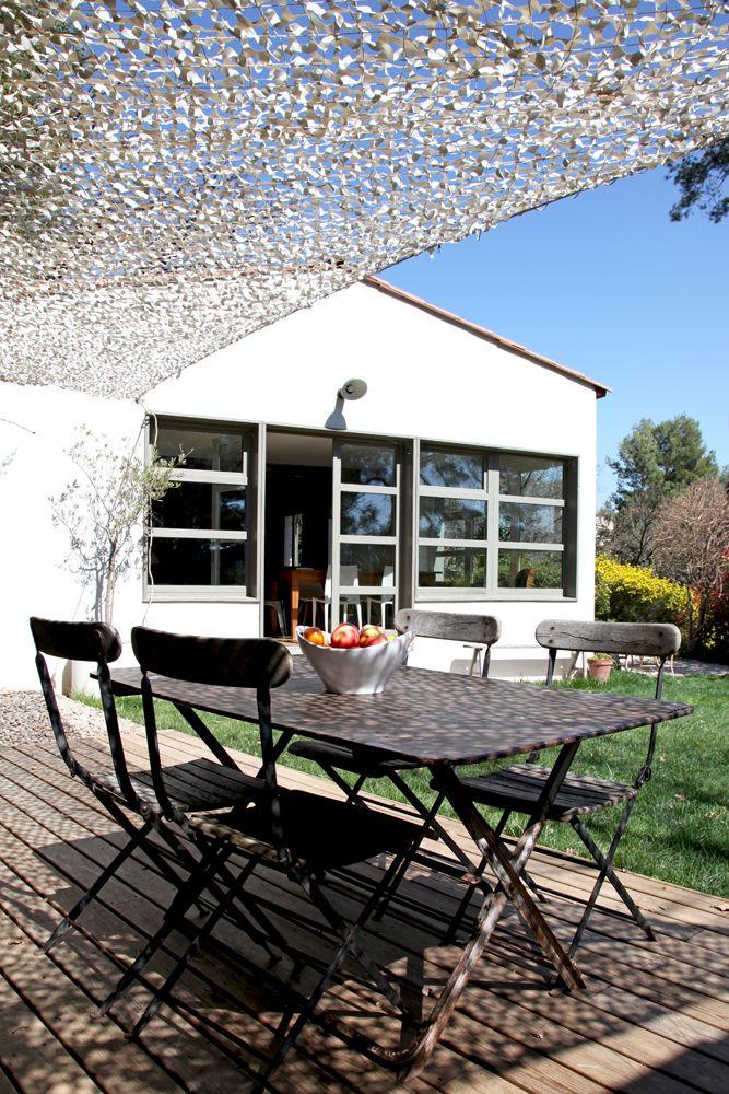 Terrasse ensoleill e parenth se styl e dans une maison de famille journal des femmes - Filet camouflage pergola ...