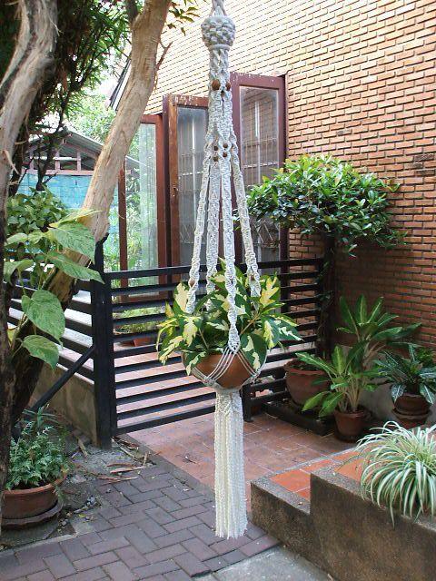 Jardinera colgante de macrame persia macrame pinterest macram macetero macrame y macram - Colgadores de macetas ...