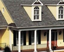 Best Roof Colors For Yellow Houses Yellow House In 2020 400 x 300