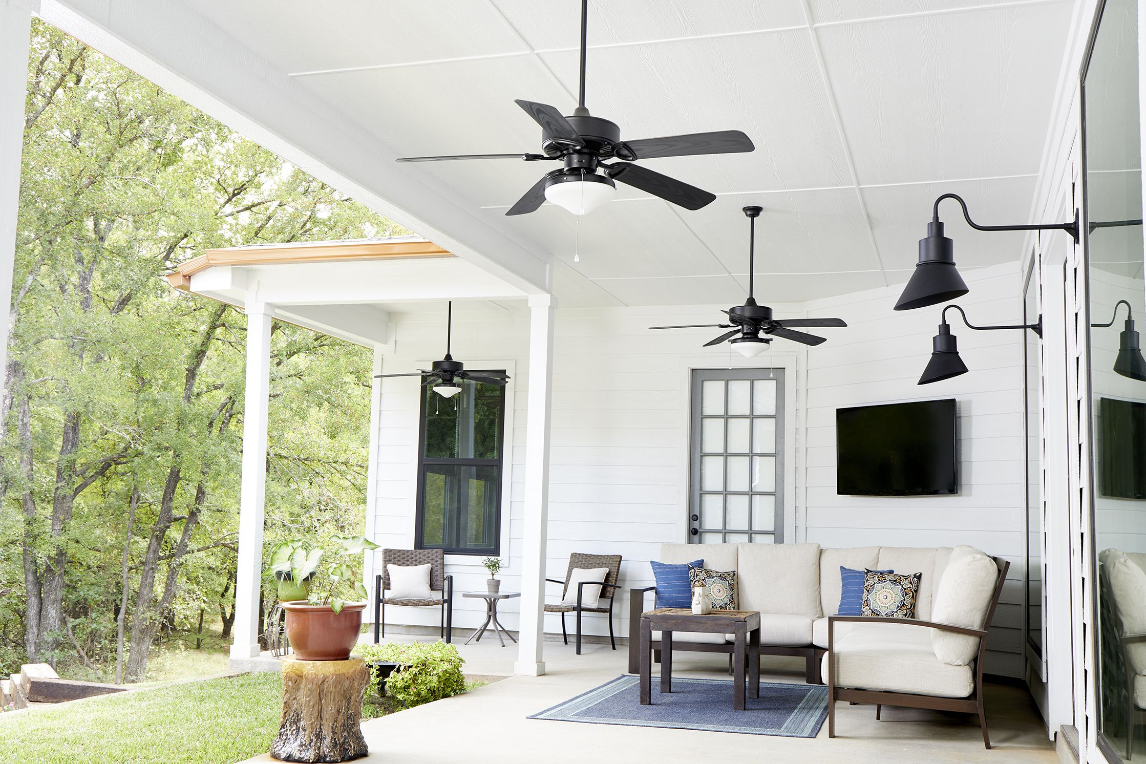 Quorum Eden 52 Outdoor Ceiling Fan In Noir With Images Patio