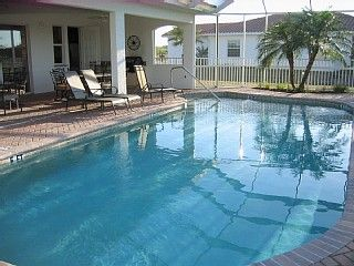 Exclusive villa on the water, pool. Close to beaches ...
