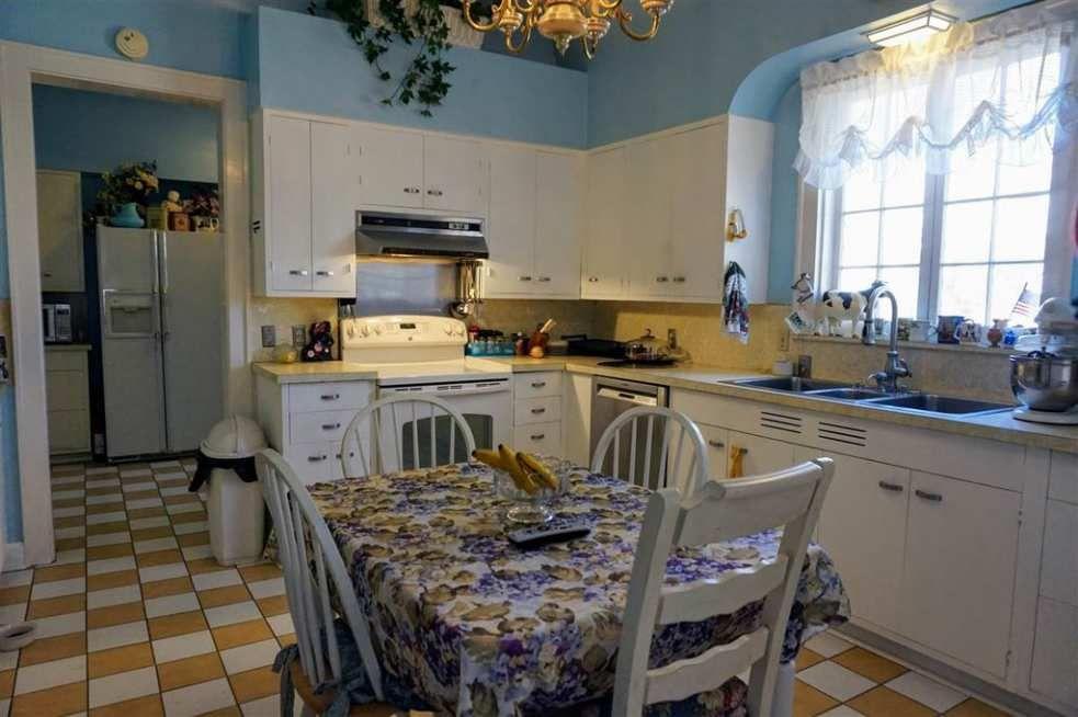 1906 Colonial Revival \u2013 Evansville, IN \u2013 $334,900 Old House Dreams