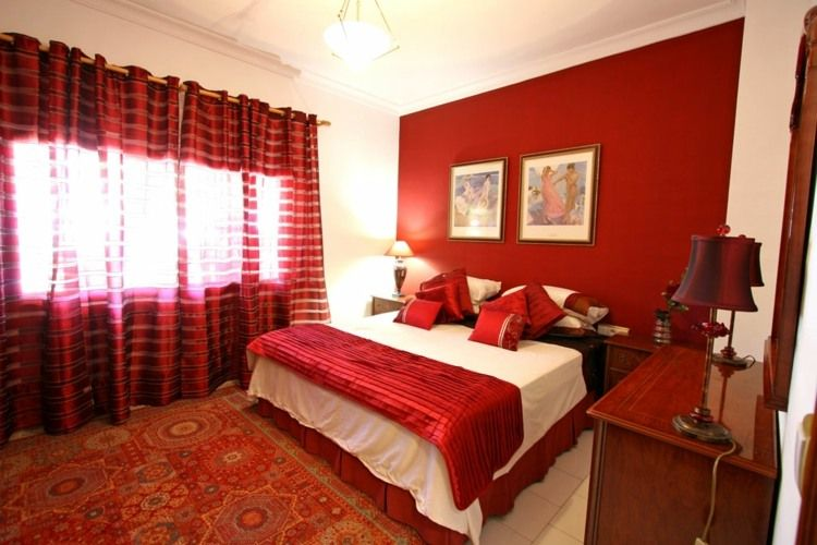 Couleur pour chambre chaleureuse aux tons fonc s - Couleur chambre rouge ...